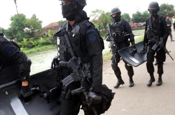 Satu Anggota Densus 88 Tertembak Dalam Penggerebekan di Ciputat